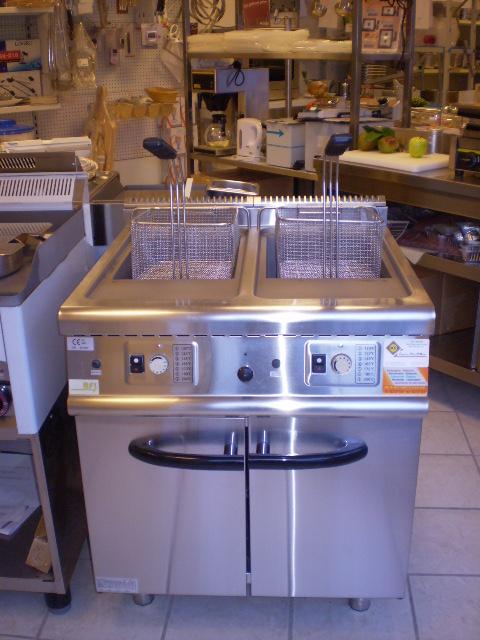 Friteuse 2 cuves de  20 litres  gaz 31 KW